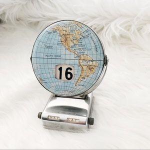 Other - Vintage World Calendar